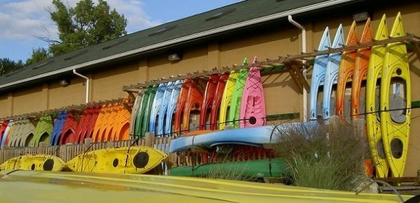 How to store kayak vertically